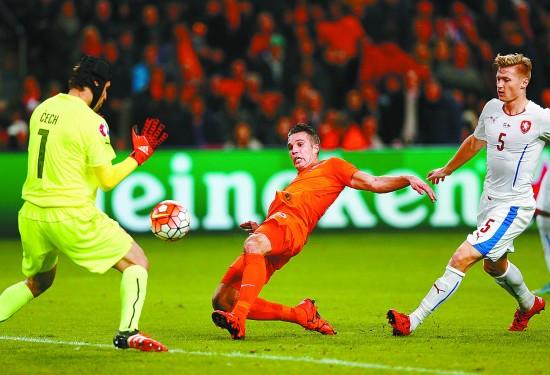 2016欧洲杯预选赛,荷兰队主场以2:3不敌捷克队