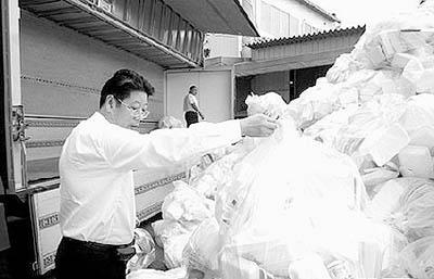 中国 孙忠南/一次性餐具存在安全隐患。...