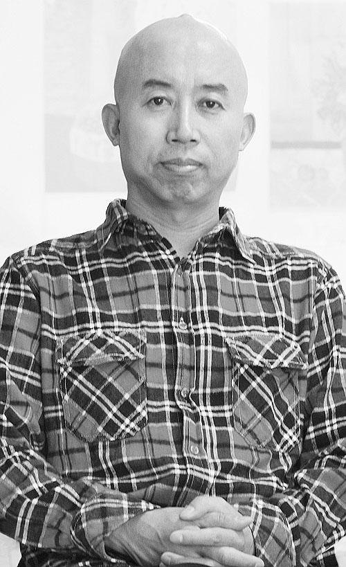 """杨佴旻:我们中国的文化仍在""""啃老"""" - 滴墨浪子 - 画家贾雨_用焦墨重彩诠释香格里拉的神奇"""